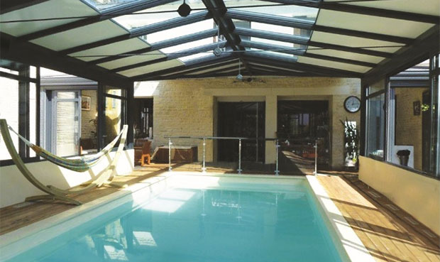 concept alu pr sente sa gamme d abris de piscine et sa. Black Bedroom Furniture Sets. Home Design Ideas