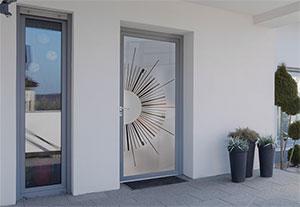 euradif pr sente 16 nouveaux panneaux en verre pour portes d 39 entr e batinfo. Black Bedroom Furniture Sets. Home Design Ideas