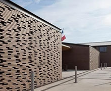 A Terreal terracotta moucharabieh refreshes the Louise Michel d'Aussone school (31)
