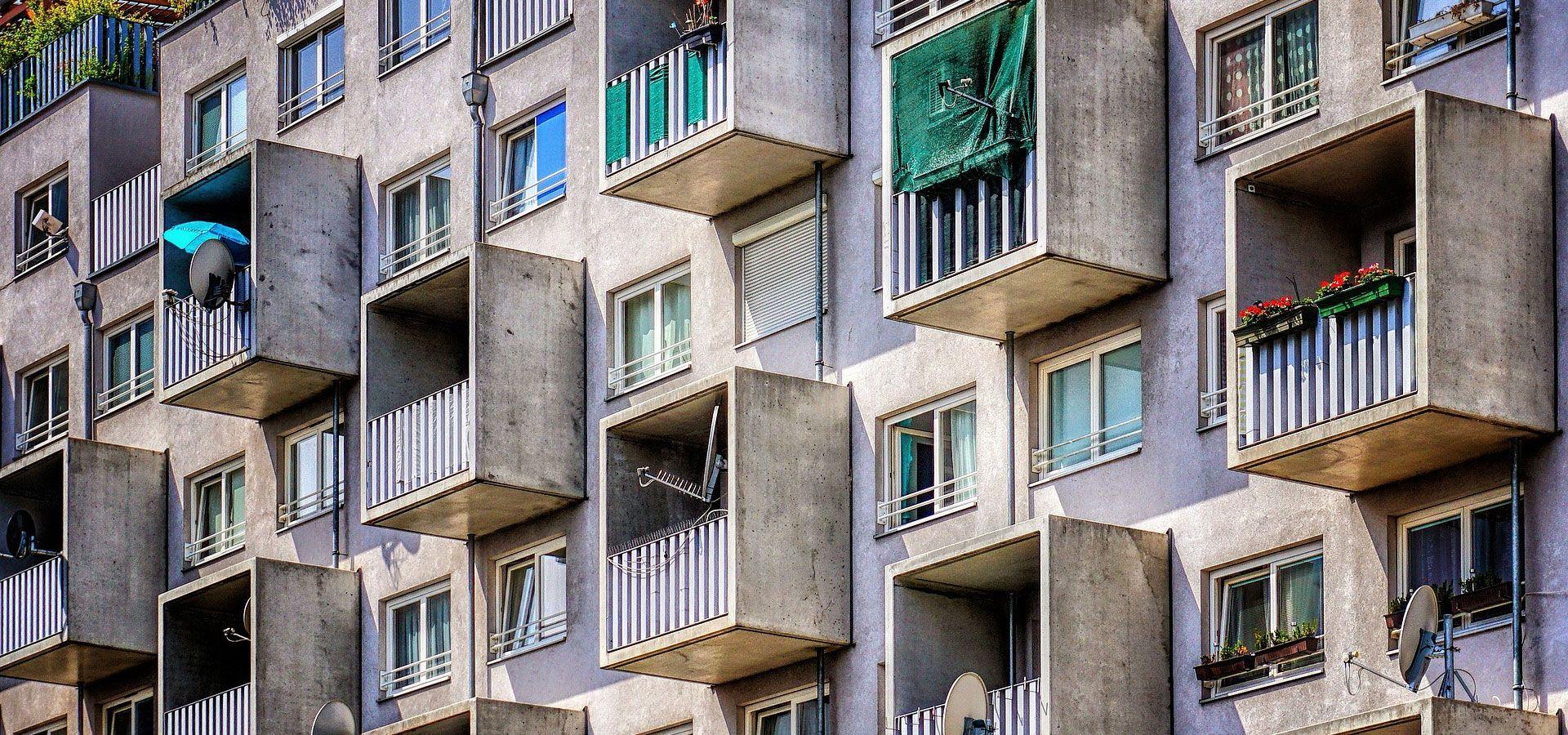 Aux portes de paris saint denis et le fl au du logement insalubre batinfo - Archi moderni casa ...