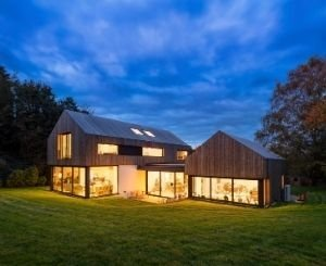 A beautiful modern new build in Hampshire made from Kebony timber