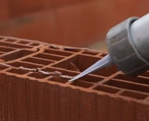 Bouyer Leroux Fix'bric high-adhesion brick adhesive - the opinion of a Point.P craftsman