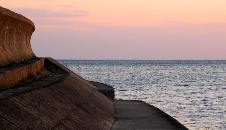 Tsunami wall in Japan - © Rudolf Ammann via flickr - Creative Commons License