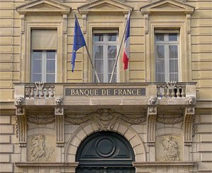 France maintains a cautious attitude on credit in the face of high risks