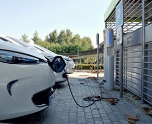 The government wants to accelerate the installation of charging stations for electric cars in condominiums