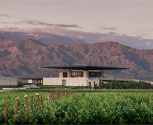 The Argentine province of Mendoza, its terroir, its Malbec and its architectural bodegas
