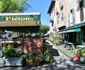 Lyon authorizes permanent terraces on parking spaces