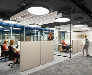 Acoustic comfort in 10 minutes with Akusto Screen from Saint-Gobain Ecophon