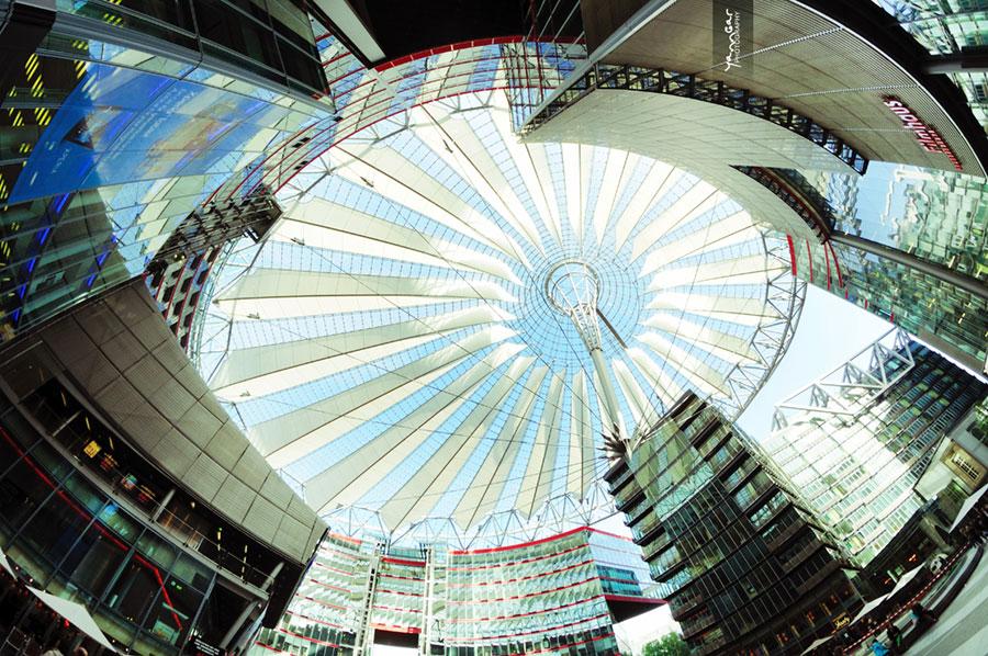 Sony Center Berlin by Helmut Jahn - © Yann Gar via flickr - Creative Commons License