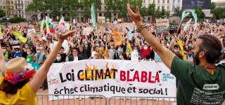 """The """"March after"""" brought together 115.000 people for the climate on Sunday"""
