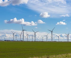 """The government defends wind power and asks the prefects to identify """"favorable areas"""""""