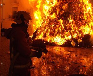 Fires in Corsica, a priori criminal, bars-restaurants and a building materials store