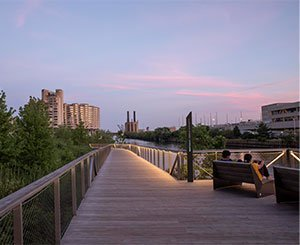 New Southbank Parkway opens along the Chicago River
