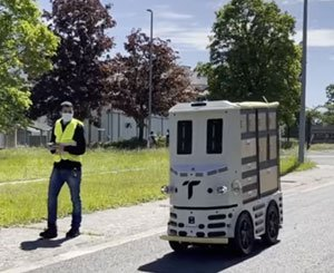 EDF R&D experiments with a parcel delivery robot