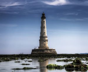 """In the Gironde estuary, Cordouan, the """"king of lighthouses"""", crowned by Unesco"""