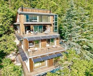 La Forestale: luxury Kebony wooden ecolodge