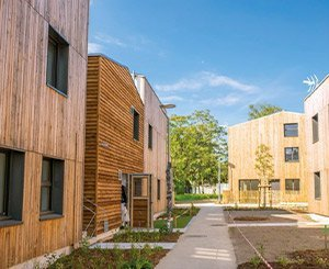 LCA Construction Bois displays a new residence in Nantes with wood