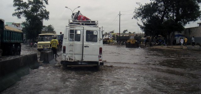 With its feet in the water, Dakar expects the worst