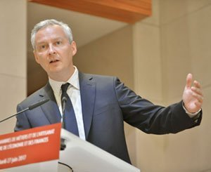 """""""Whatever the cost, it's over"""" announces Bruno Le Maire to the bosses"""