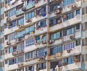 "Borloo denounces the persistence of ""urban segregation"" in France"
