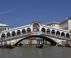 In Venice, the Rialto Bridge inaugurated after restoration