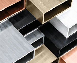 Eclisse reveals the material by presenting Eclisse 40 and its new Glass & Aluminum range