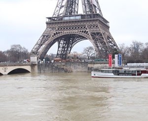 Is a new hundred-year flood threatening Paris?