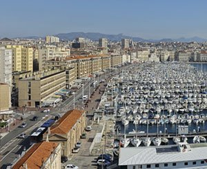 The ceiling of an apartment in Marseille collapses on a tenant, the owner condemned