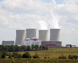 The question of renewable energies and the end of nuclear power is invited into the presidential debate