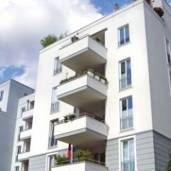 Panneau isolant en polystyrène expansé pour l'isolation thermique extérieure des bâtiments