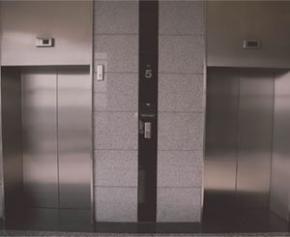Les ascenseurs obligatoires dans les immeubles neufs de trois étages ou plus