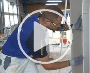 EUROSKILLS 2018 : Loïc Robert à fond en plâtrerie et constructions sèches