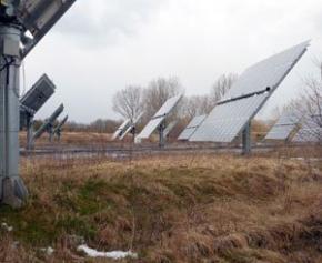 L'Ukraine inaugure sa première centrale solaire à Tchernobyl