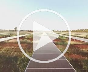 How Far Would You Go : Ferme solaire de Parkes en Australie [Vidéo 360°]