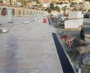 Birco équipe l'esplanade des Sablettes de la ville Menton avec des caniveaux aux...