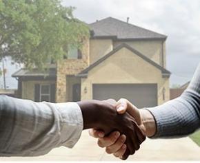 Les taux des crédits immobiliers se maintiennent en octobre, restant sous...