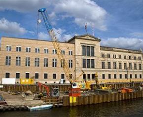 Inauguration à Berlin du bâtiment d'accès à l'île aux Musées conçue par...