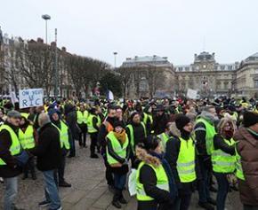 Paris annonce une aide d'un million d'euros pour les commerçants sinistrés...