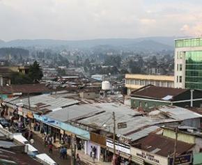 L'héritage architectural d'Addis Abeba écrasé par la modernité