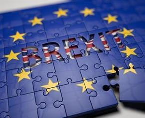 Brexit sans accord : Le patron du Medef met en garde les entreprises françaises