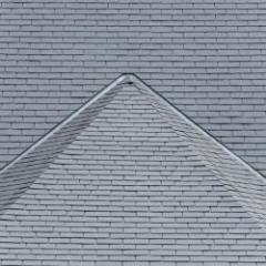 Ardoise naturelle régulière en épaisseur et en planéité pour une toiture parfaite