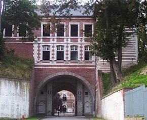 Une université ouverte sur la ville a pris place dans l'ancienne citadelle d'Amiens