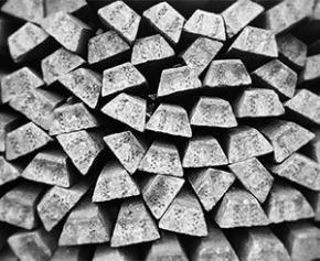 Le CESE préconise une politique nationale forte concernant les métaux...