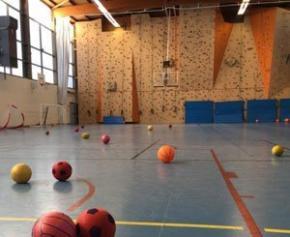 Le gymnase Jean Bouin à Paris 16ème, réquisitionné sans concertation pour...