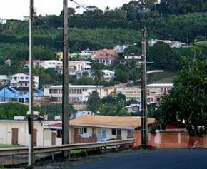 Le gouvernement n'a pas été à la hauteur pour le logement en Outre-mer selon...