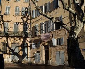 """La """"double peine"""" des petits propriétaires Marseillais évacués de leur logement"""