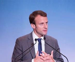 """Macron assure que l'État va """"forcer"""" Ford à revitaliser le site de Blanquefort"""