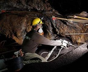 Comblement d'anciennes mines argentifères au Pradal