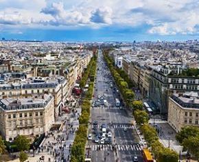 Six fontaines lumineuses de 13 mètres bientôt installées sur les Champs-Elysées
