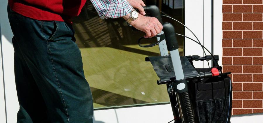 Bientôt une loi pour améliorer la prise en charge des personnes âgées dépendantes